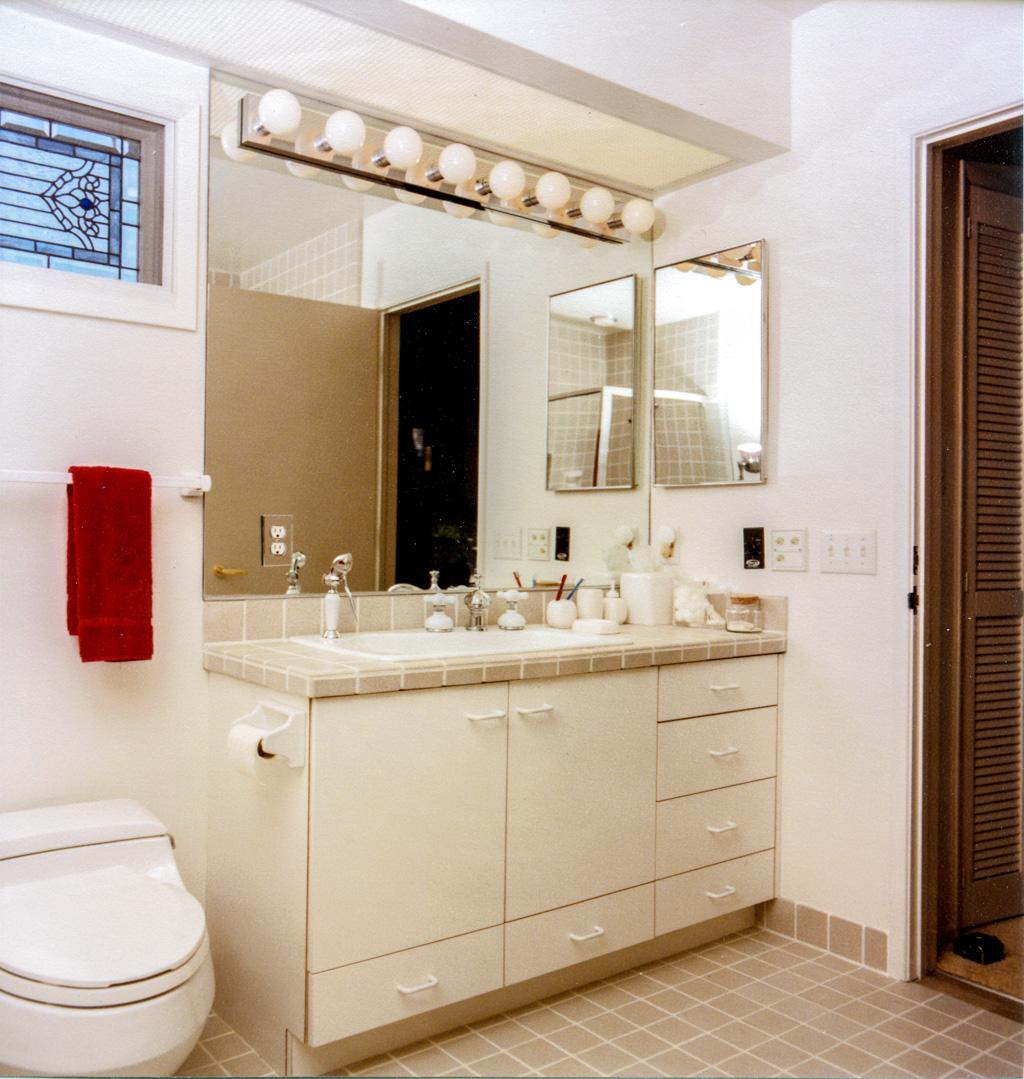 Bathroom chest