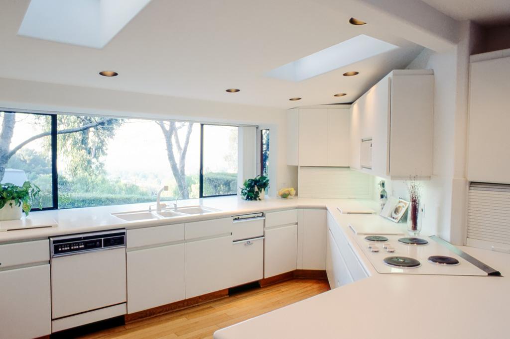 Streamlined Amp Structured Kitchen Danilo Nesovic