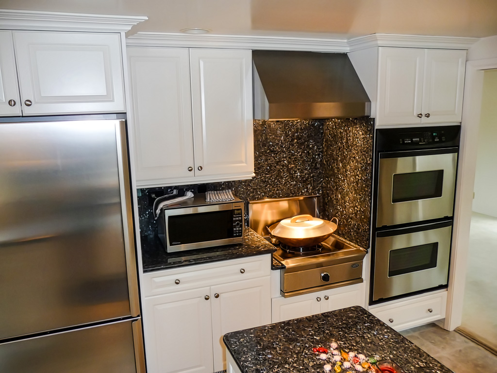 Custom Kitchen Cabinets Designer