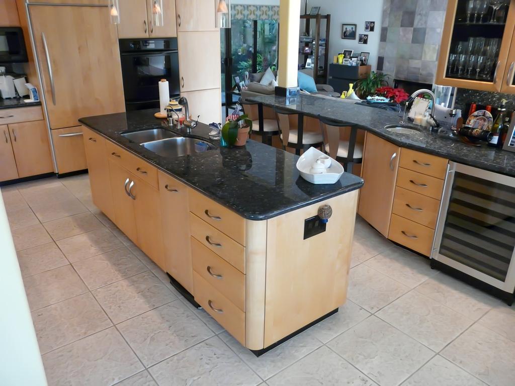 Timeless Maple Amp Black Hub Kitchen Danilo Nesovic