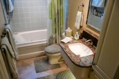 0988-hall-bath-10.jpg