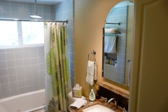 0988-hall-bath-3.jpg