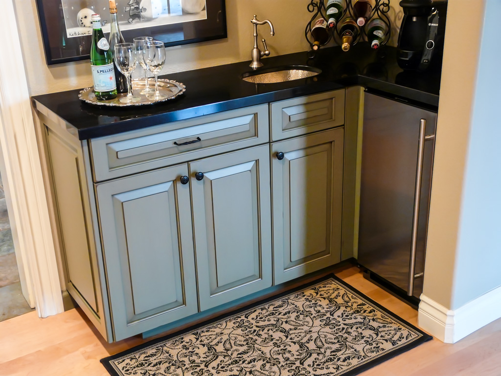 Upscale Country Cabinets and Bedroom - Danilo Nesovic, Designer ...